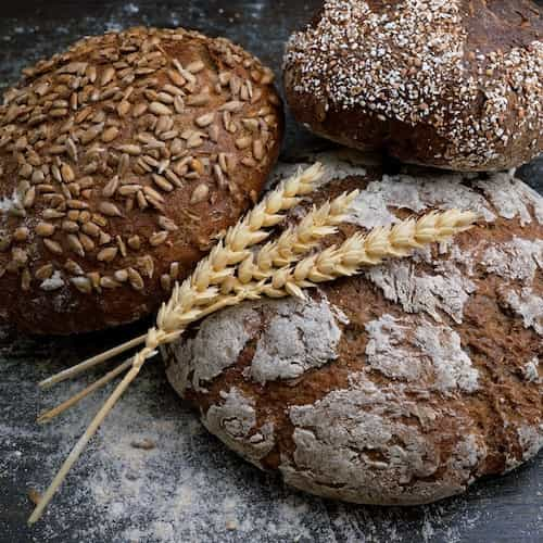 picture of bread and wheat